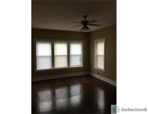 9904 S Forest Avenue #1 Photo 1