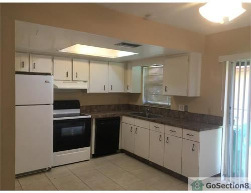 2582 NW 52 Ave #16 B Photo 1