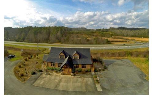 950 Appalachian Hwy Photo 1