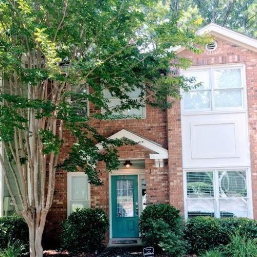 235 Peachtree Hollow Court Photo 1