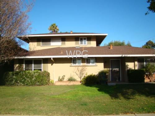 935 Castlewood Drive #1 Photo 1
