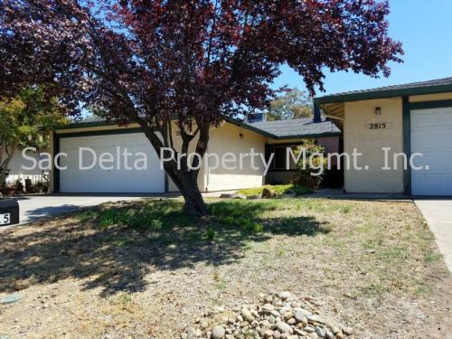 2813 Pepper Oaks Drive Photo 1