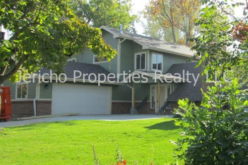 5958 Lakeview Street Photo 1