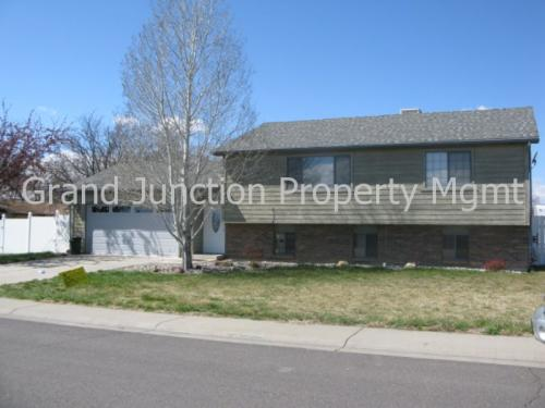 595 Ford St Photo 1