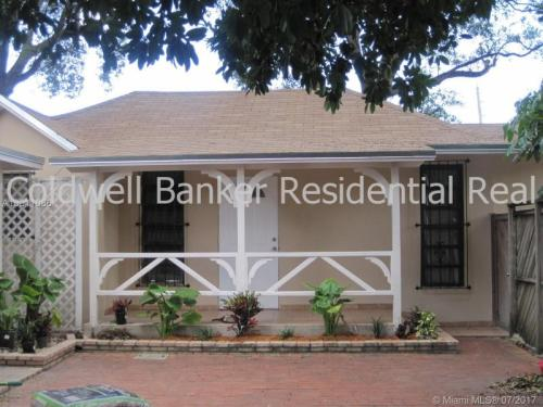 5661 SW 4th Street Photo 1