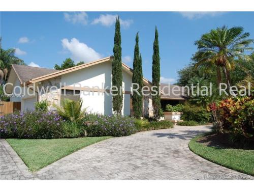 14040 SW 104 Ave Photo 1