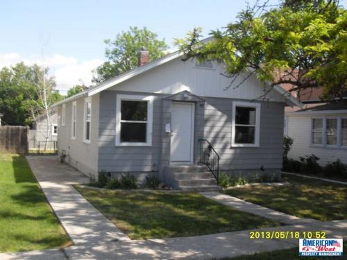 232 E Pine Avenue Photo 1