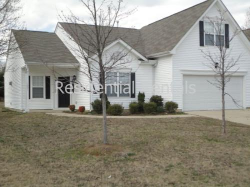 1001 Bluebell Court Photo 1