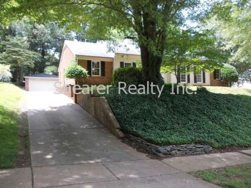 725 Charter Place Photo 1