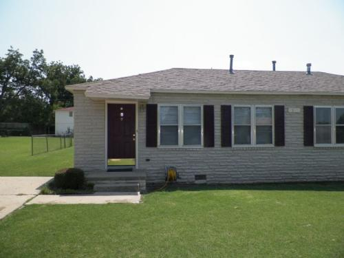 1214 NW Bell #A Photo 1