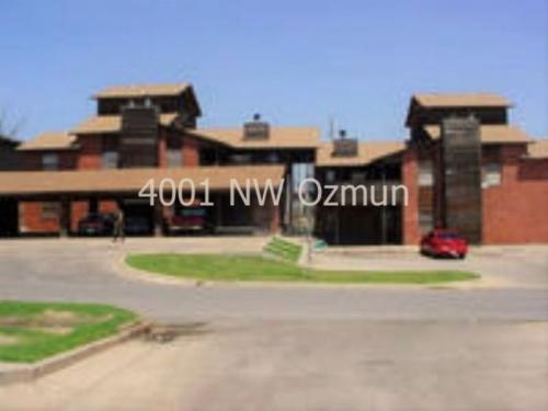 4001 NW Ozmun Avenue Photo 1