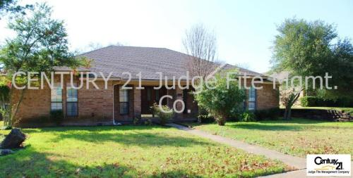 310 Meadowcreek Drive Photo 1