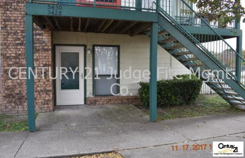 5428 Lakeview Parkway Photo 1