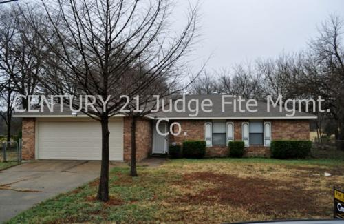 202 Softwood Drive Photo 1