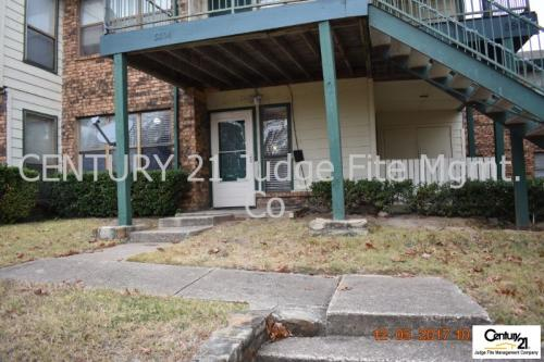 5504 Lakeview Parkway Photo 1