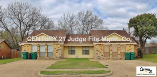 719 Hillcrest Court Photo 1