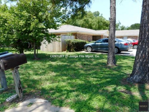 3909 Camelot Street Photo 1
