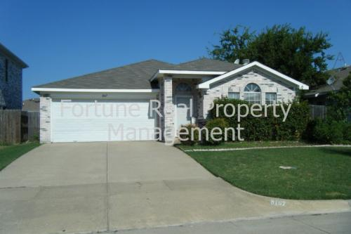 8167 Waterside Trail Photo 1