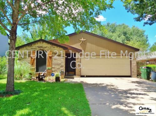913 Blue Jay Drive Photo 1