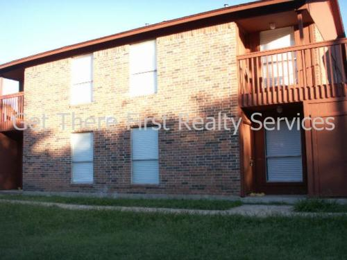 916 Isbell Road #A Photo 1