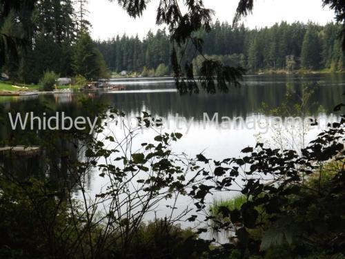 5093 Lakeside Dr Photo 1