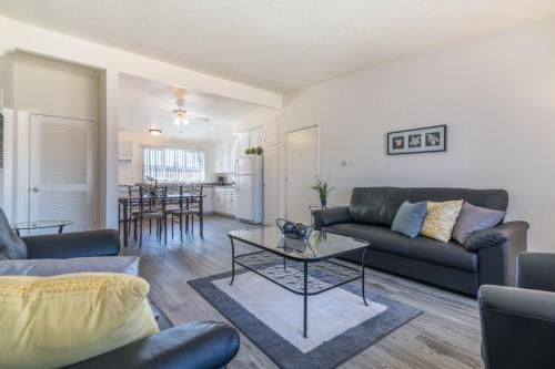 Serrano Apartment Homes Photo 1