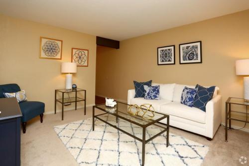 Aspen Apartments Photo 1