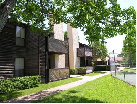 Hillside Apartments Photo 1