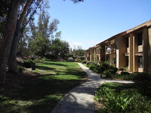 Country Club Villas Photo 1