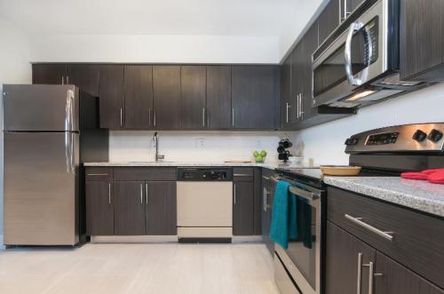 Whitney Apartments Photo 1