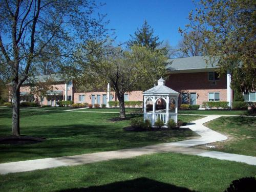Academy Woods Apartments Photo 1
