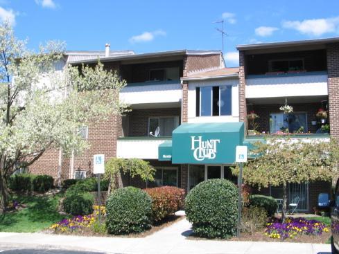 Hunt Club Apartments Photo 1