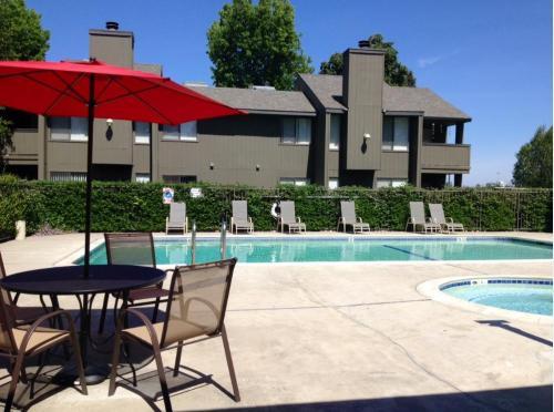Riverwood Apartments Photo 1