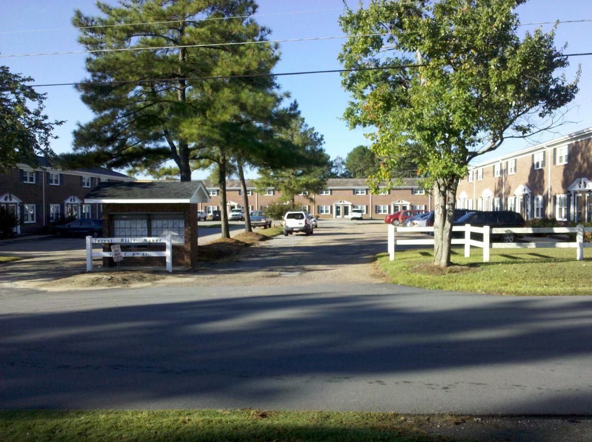 1015 E 9th Street, Roanoke Rapids, NC 27870   HotPads