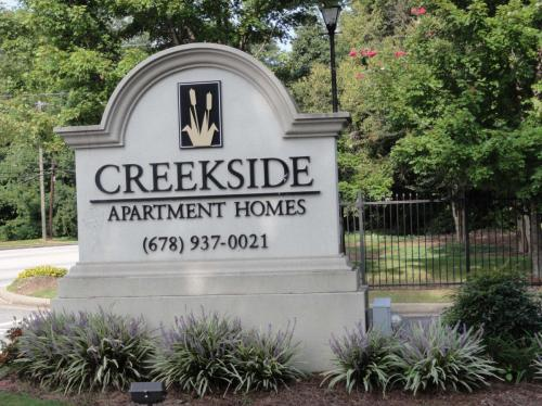 Creekside Apartments Photo 1