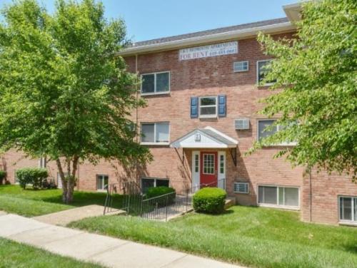 2820 Chichester Avenue Photo 1