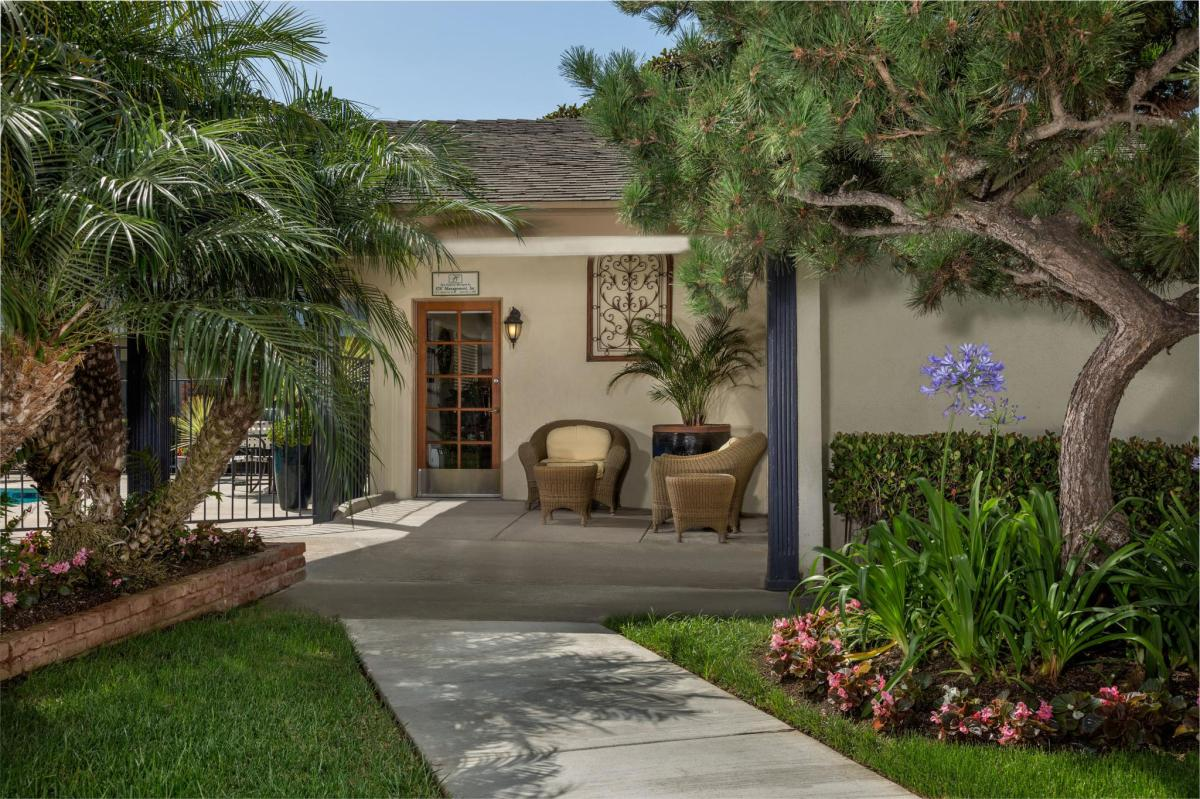 Cambridge Apartments - Huntington Beach, CA | HotPads