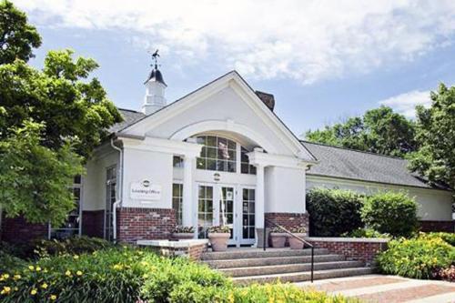 Covington Place Photo 1
