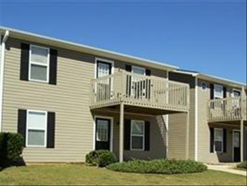 Hilltop Pines At 1355 Commerce Drive Auburn Al 36830