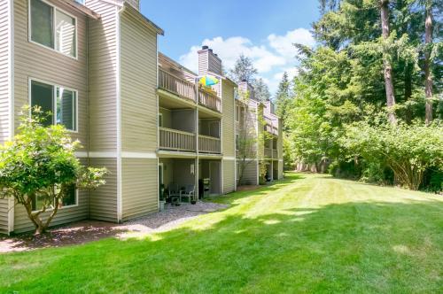 Silverlake Apartments Photo 1