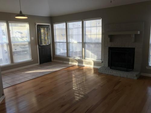 16095 Crepemyrtle Drive Photo 1