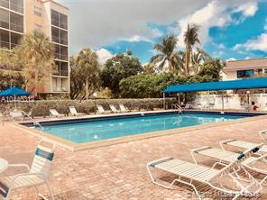 2821 N Miami Beach Boulevard Photo 1