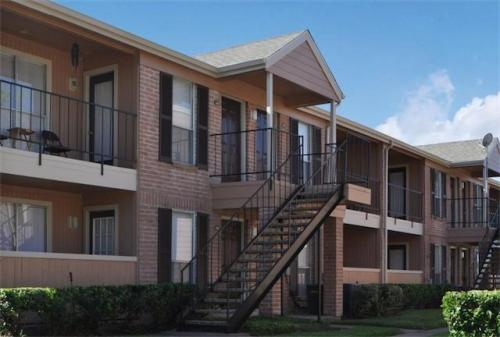 Ashford Pointe Apartments Photo 1