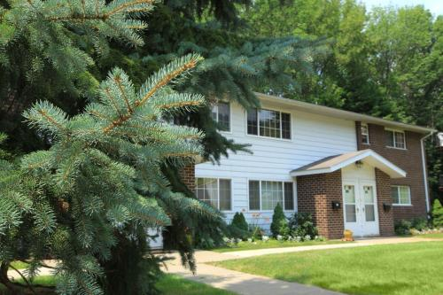 Wilber Park Apartment Homes Photo 1