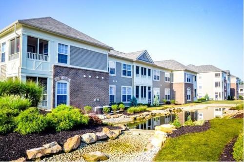 StoneBridge Luxury Apartment Homes Photo 1