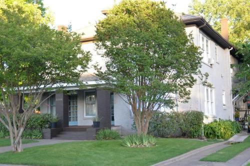 Prairie House Photo 1