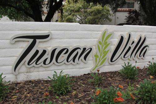 Tuscan Villa Photo 1