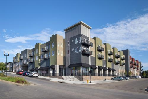 The Heights at Linden Square Photo 1