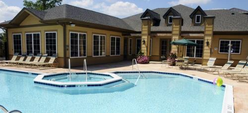 St Joe Place Apartments - Student Housing Photo 1