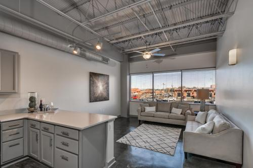 The Tower Luxury Apartment Homes Photo 1